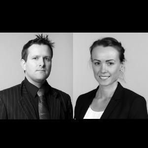 Odd Bovim og Reidun Sæle Kongsvik i Advokatfirma Blikra, Slotterøy & Fonn flyttar inn i Horne Brygge.